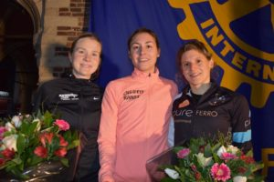"thumbnail-""Tieltse"" Lore Tack wint 10 miles van Antwerpen"