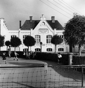 thumbnail-De Rijksschool in de jaren '70