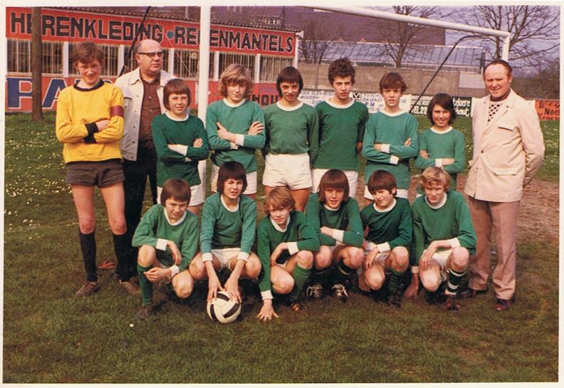 thumbnail-Gewestelijke cadetten VK Torhout kampioen 1973-1974